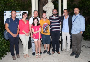L'assessore alla cultura della Città di Oria Gianfranco Durante (primo da sx) e l'architetto Francesco Lonoce (secondo da dx) con gli organizzatori