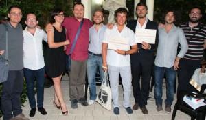 I filosofi Diego Fusaro e Mario Carparelli (sesto e settimo da sx) con la squadra organizzatrice
